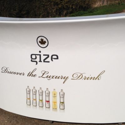 Gize curved portable bar